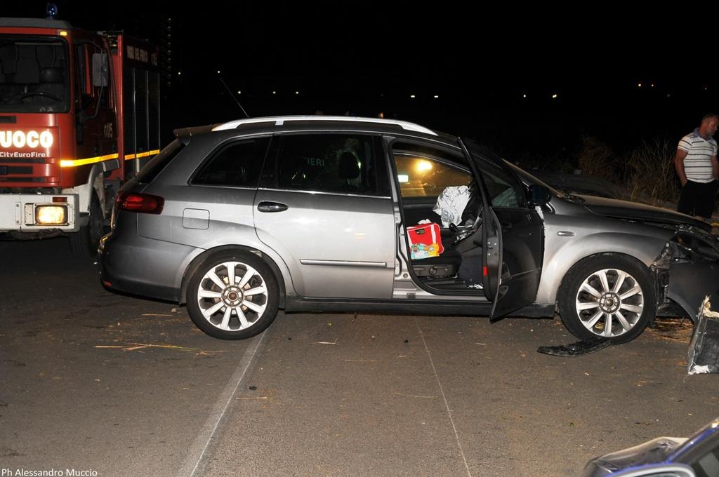 BRINDISI. Droga: con 87 kg hascisc sperona auto cc e fugge, arrestato